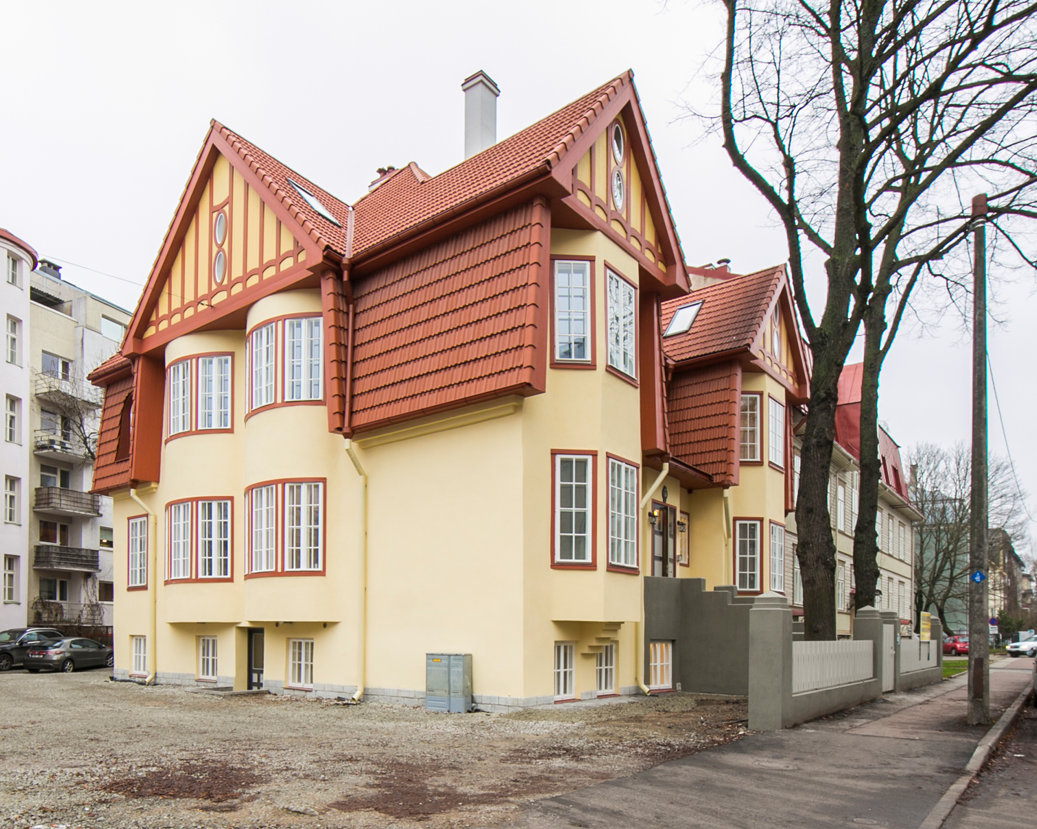 Tina 26 – Art Nouveau villa in city centre